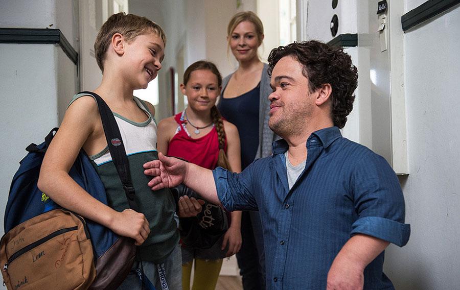 В Медиахолле Псковского театра драмы состоится показ фильма «На уровне глаз» режиссеров Эви Гольдбруннер и Йоахима Дольхопфа (Германия).